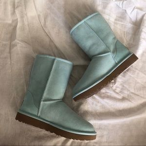 UGG BOOTS UGG Classic II Short Boot in baby blue